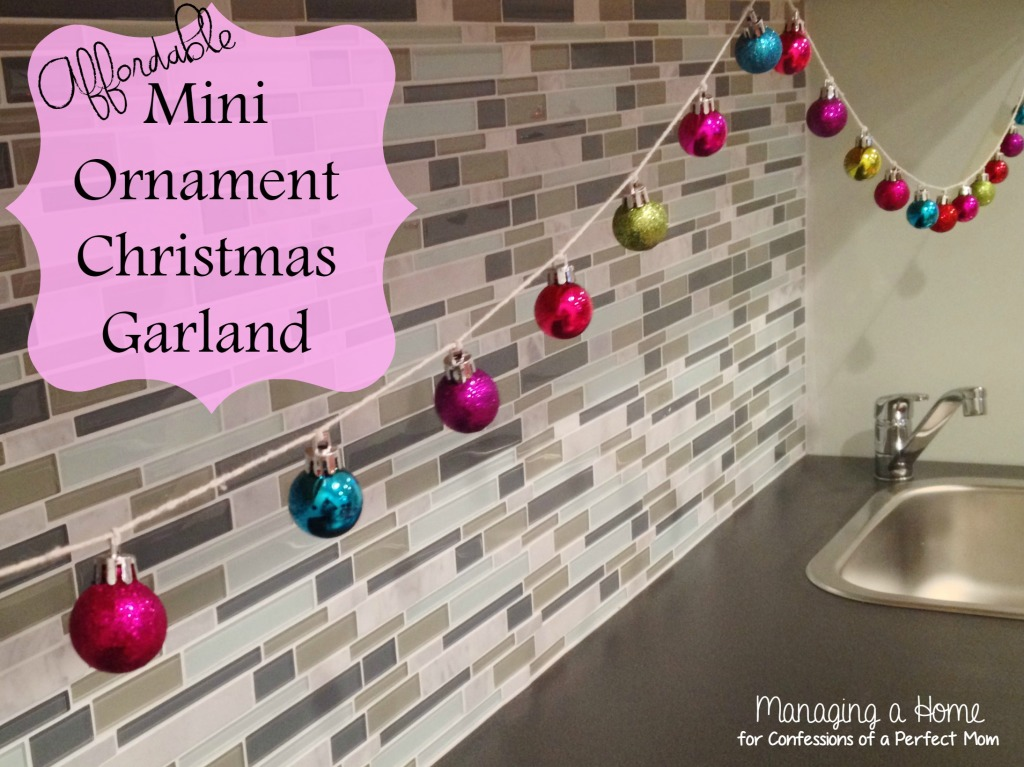 Title_Ornament_Garland